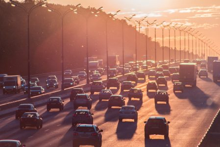 Comment éviter les bouchons sur la route des vacances ?